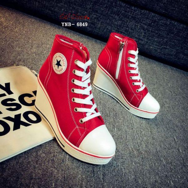 รองเท้าผ้าใบ เสริมส้น Converse