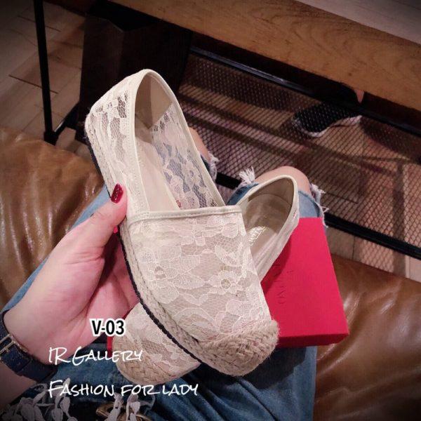 รองเท้าคัชชู แบบสวม วาเลนติโน่ลูกไม้สวม