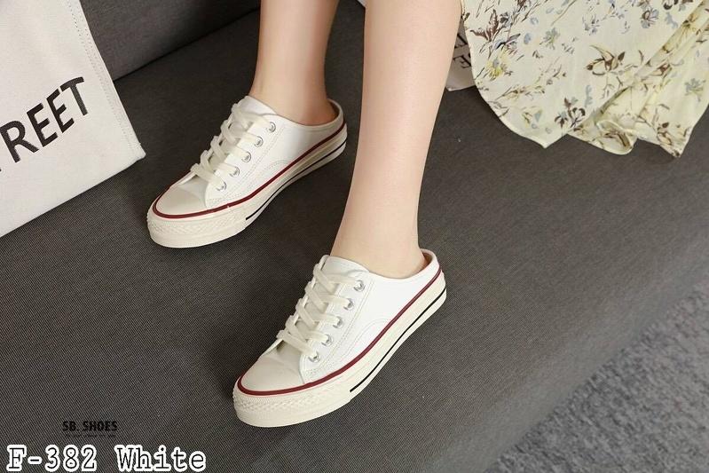 รองเท้าผ้าใบเปิดส้นสไตล์ Converse