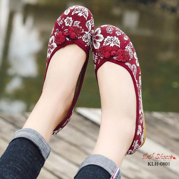 รองเท้าคัชชูส้นเตี้ยกี่เพ้าแบบสวมจีน
