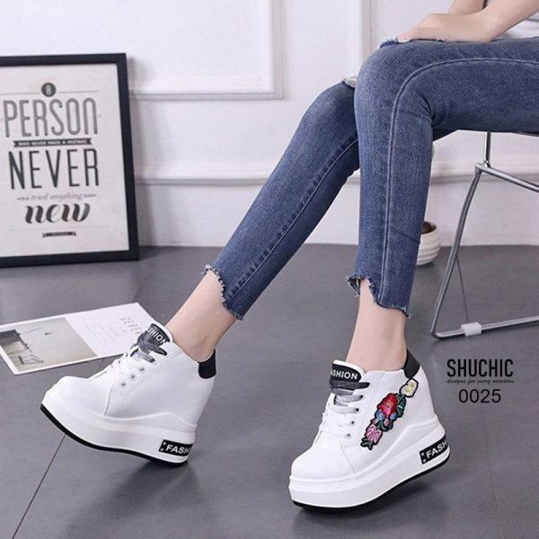 รองเท้าผ้าใบเสริมส้นนำเข้า สไตล์เกาหลี
