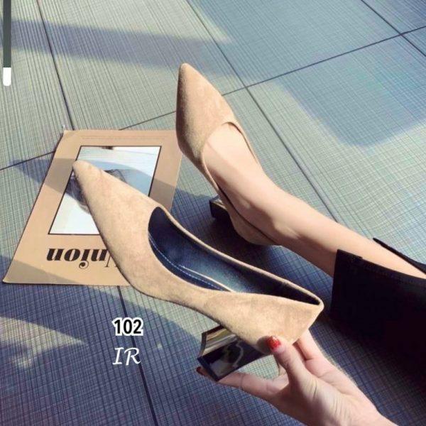 รองเท้าคัทชูหนังกลับทรงสวยมาก