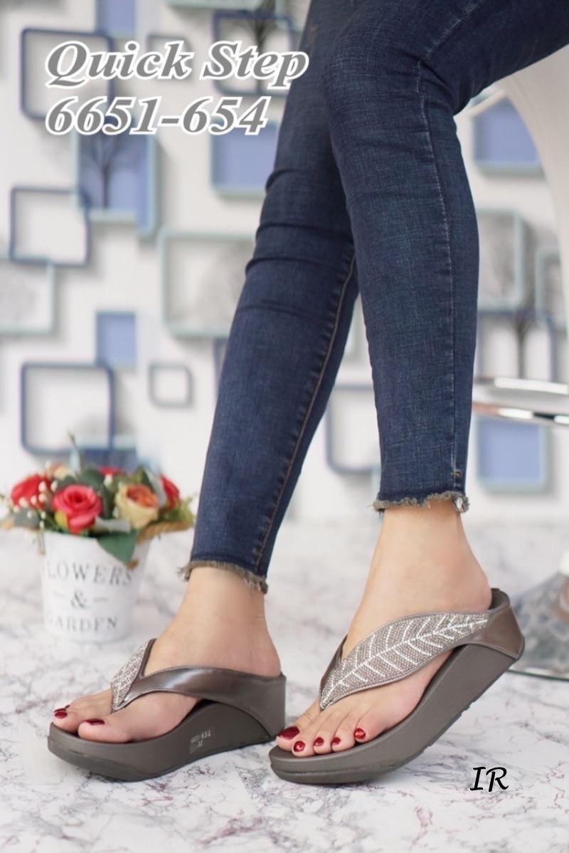 รองเท้าลำลองแบบสวม2020