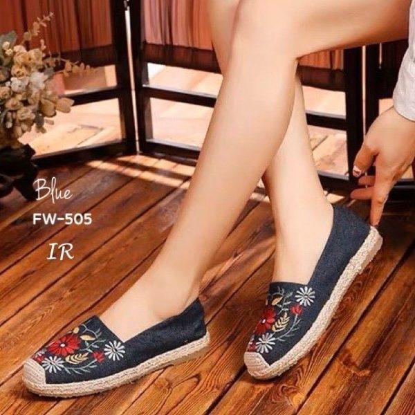 รองเท้าผ้าใบวัสดุแคนวาสปักดอกไม้น่ารักสดใสรับซัมเมอร์