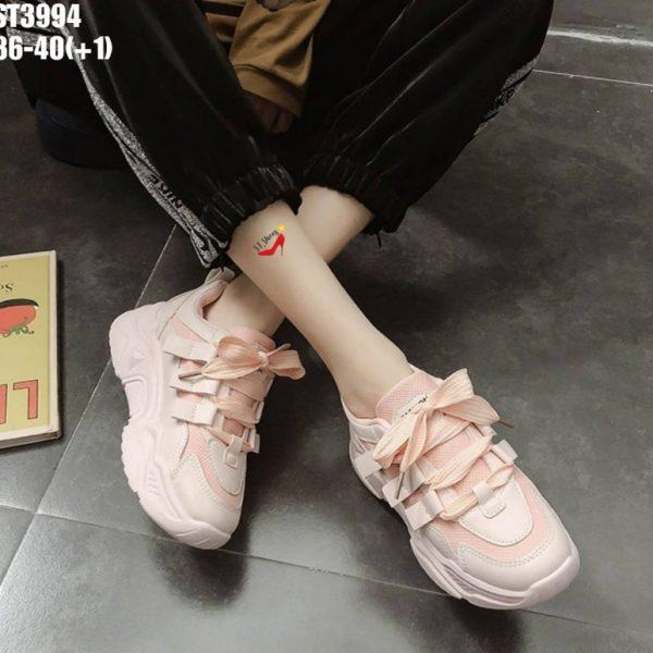 รองเท้าผ้าใบสไตล์เกาหลี