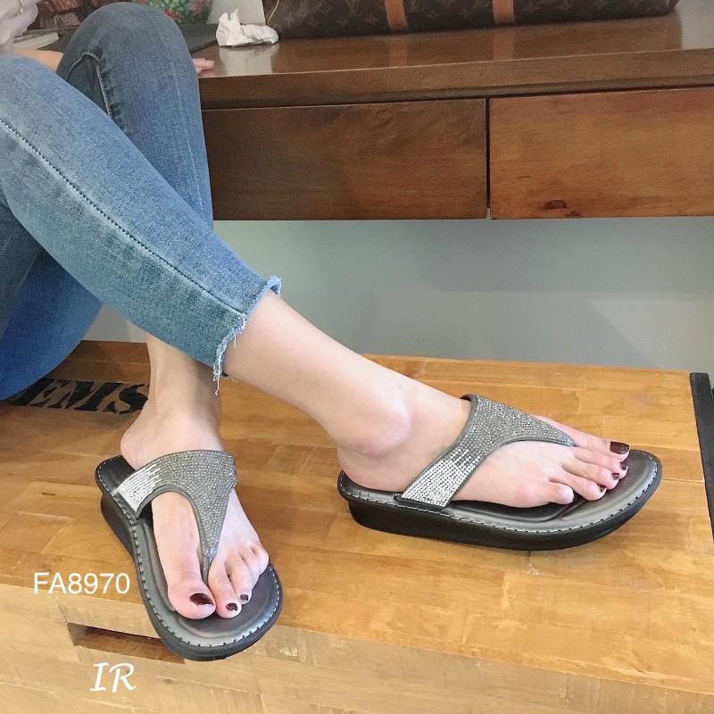 รองเท้าเพื่อสุขภาพพื้นนิ่ม ทรงสวย