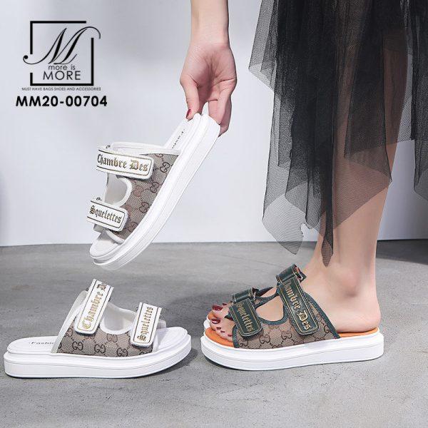 รองเท้าแตะแบบสวม ดีเทลลาย GD