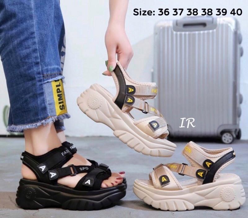 รองเท้าลำลองเตารีดวัสดุผ้านิ่มแต่งดีเทลเก๋ๆ