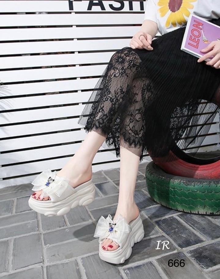 รองเท้าสวมเตารีดหน้าโบว์แต่งอะไหล่หมีน่ารัก