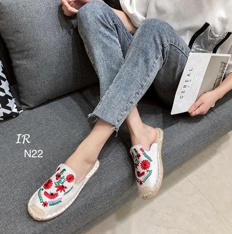 รองเท้าคัชชูแบบสวม
