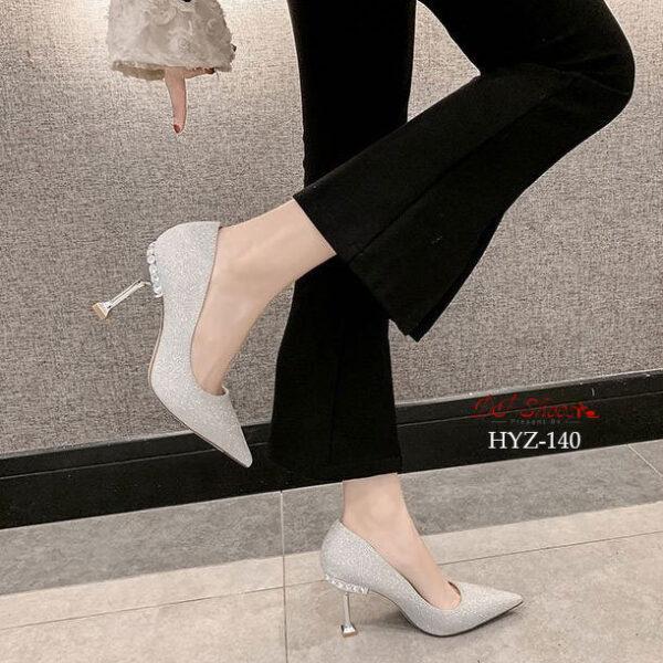 รองเท้าคัชชูส้นสูงหัวแหลมแบบสวม12