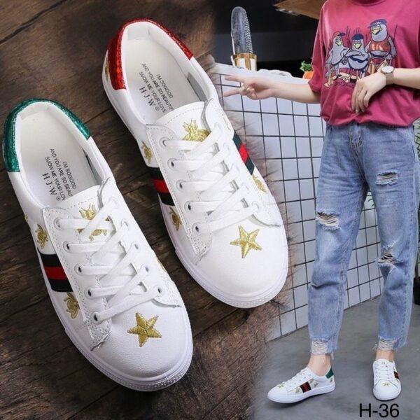 รองเท้าผ้าใบ CC หนังนิ่ม