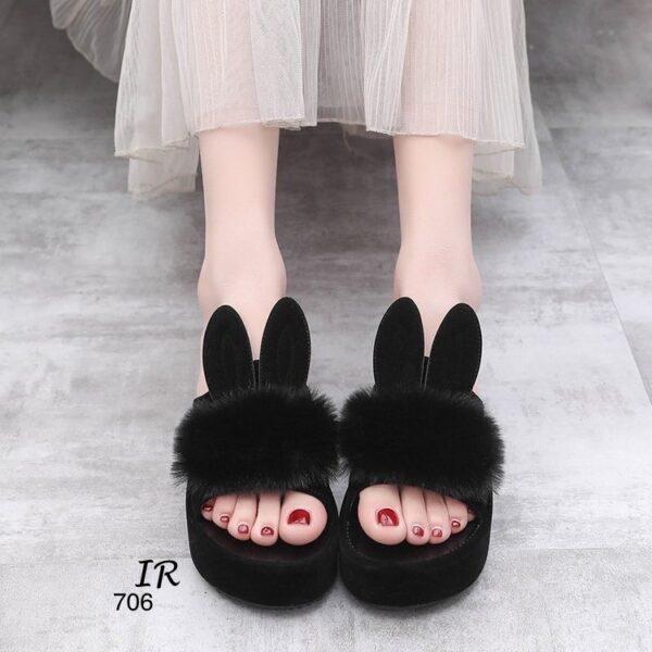 รองเท้าส้นสูง ส้นเตารีด วัสดุหนังกำมะหยี่นิ่มแต่งหูกระต่าย