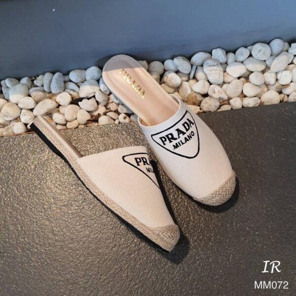 รองเท้าสลิปเปอร์ ผ้าแคนวาสปักโลโก้
